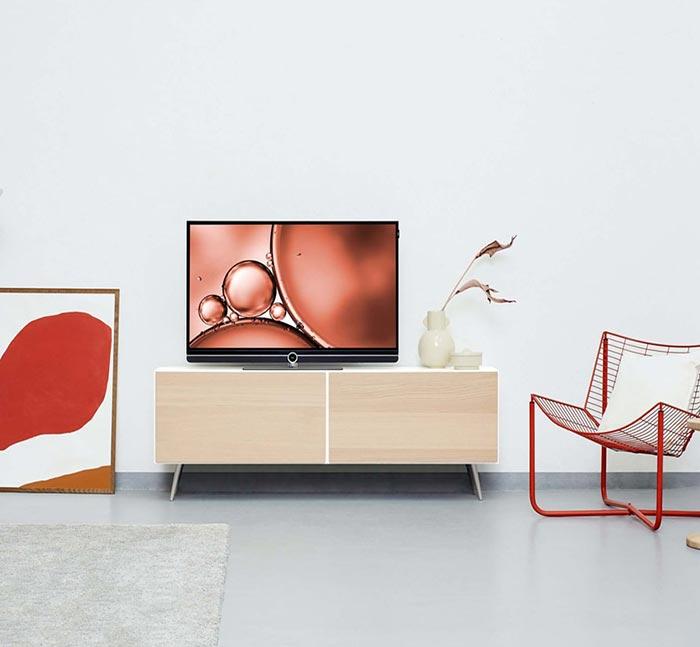 Conseils originaux pour décorer votre coin télévision design et moderne. Découvrez comment décorer votre salon et le meuble télévision.