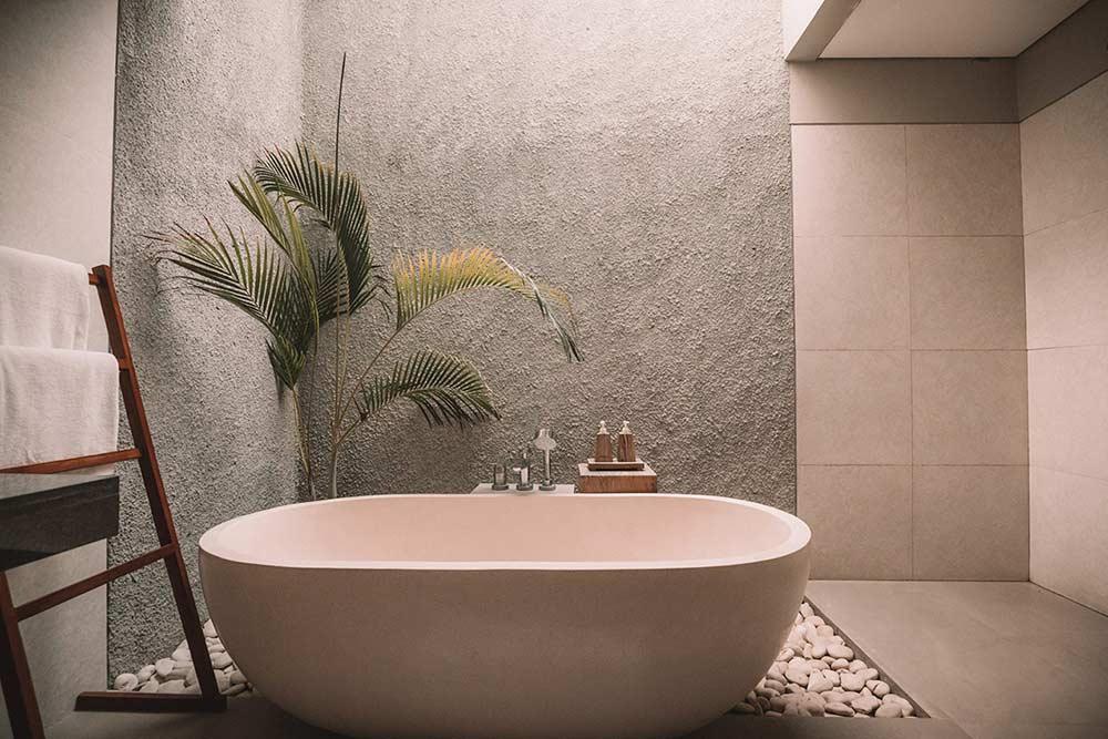 mur relief salle de bain